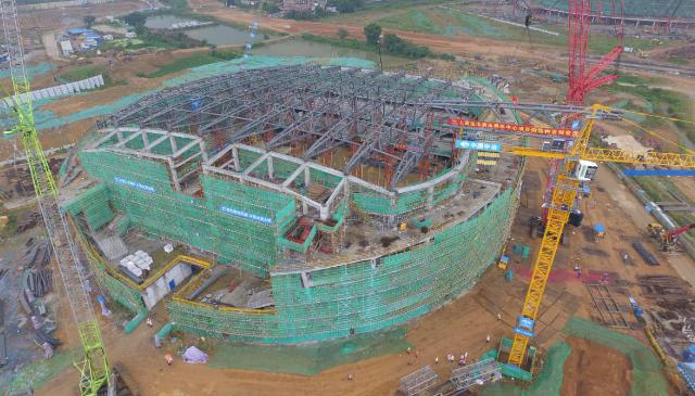 实现全面封顶 上海宝冶承建广东清远奥体中心两馆钢结构建设